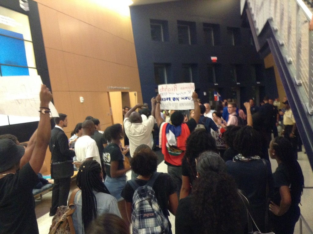 Students Protest Former DR President Visit To FIU