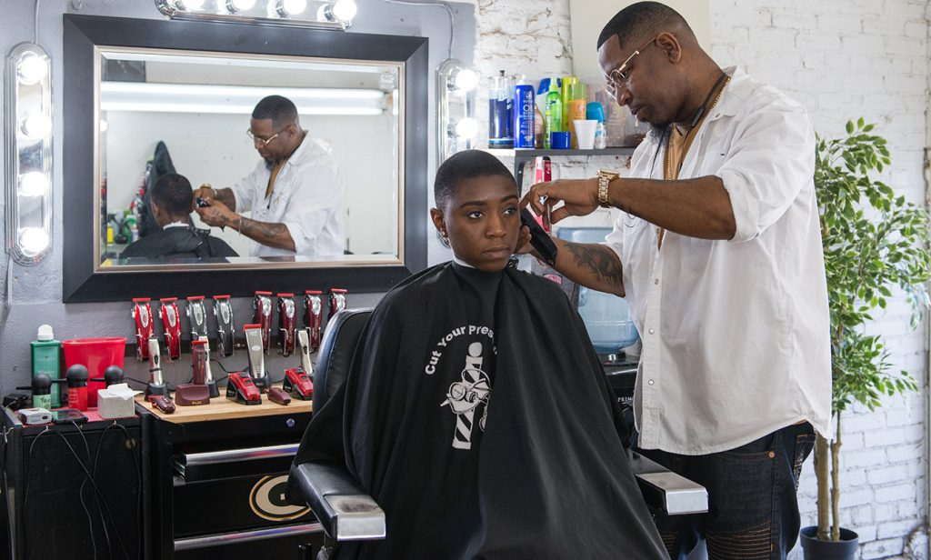 Black Men's Blood Pressure Is Cut Along With Their Hair